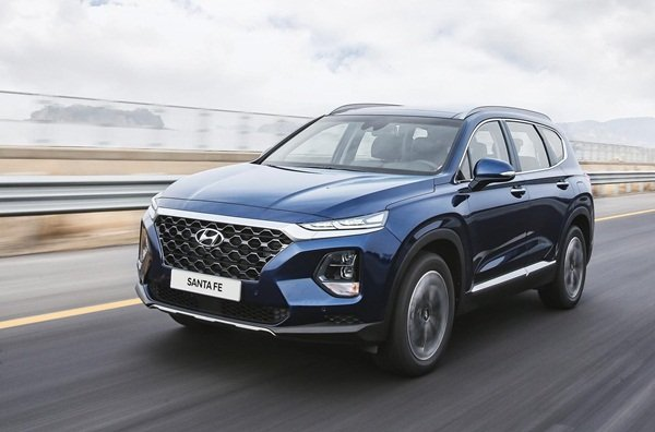 The spacious Hyundai Santa Fe 2020 sports a 605-mm longer body.
