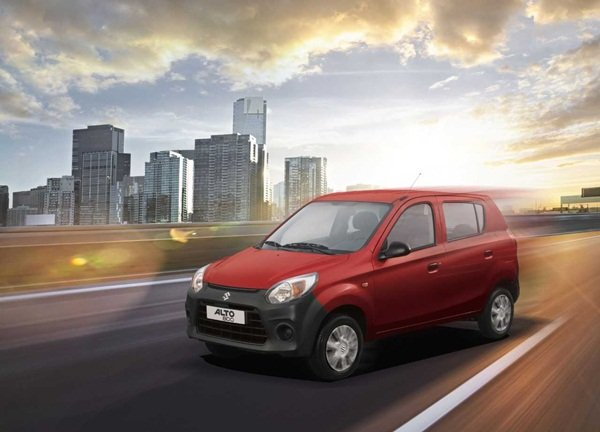 Suzuki Alto 800 on the road