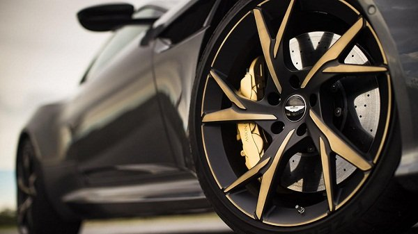 Aston Martin DBS Superleggera 2019_wheels