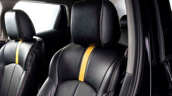 Nissan Juke N-Sport 2019 seats