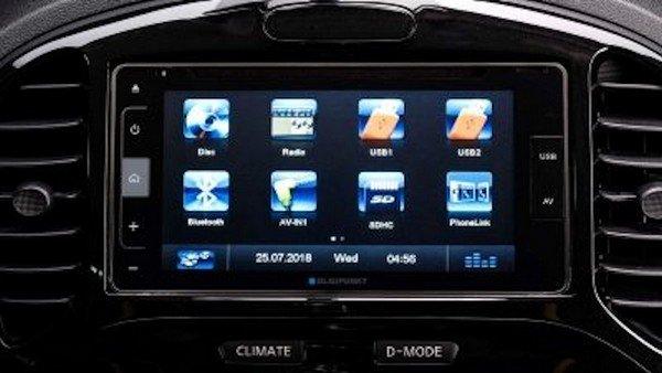 Nissan Juke N-Sport 2019's Blaupunkt Touchscreen Display Audio System