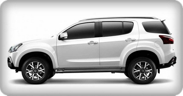 Isuzu MU-X 2019 side view