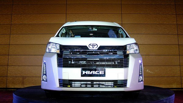 Toyota Hiace 2019 front view