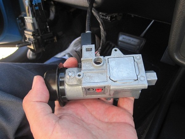 8 common signs of a bad throttle position sensors & how to fix it