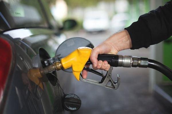 refueling car