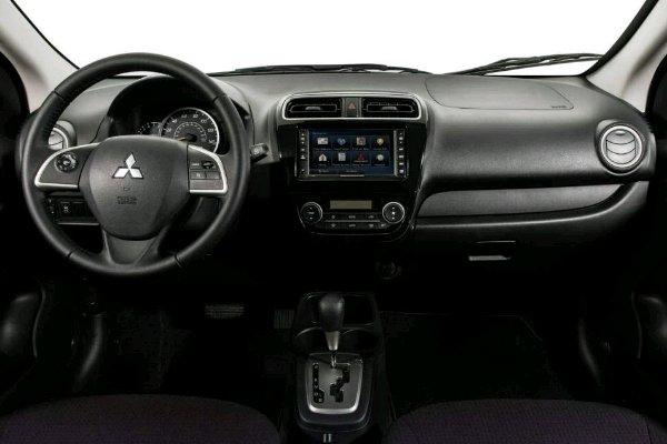 Mitsubishi Mirage G4 dashboard area