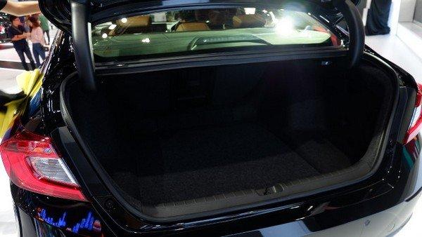 Honda Accord 2019 cargo space