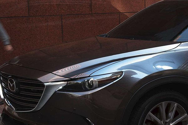A picture highlighting the front portion of the Mazda CX-9 2019