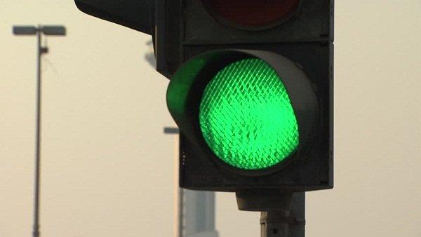 Green light traffic