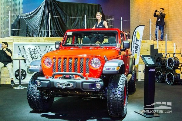 A picture of a red Jeep Wrangler Rubicon 2019 at MIAS