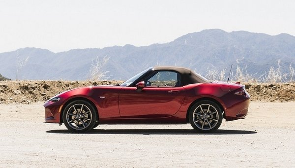 Mazda MX-5 Miata 2019 side profile