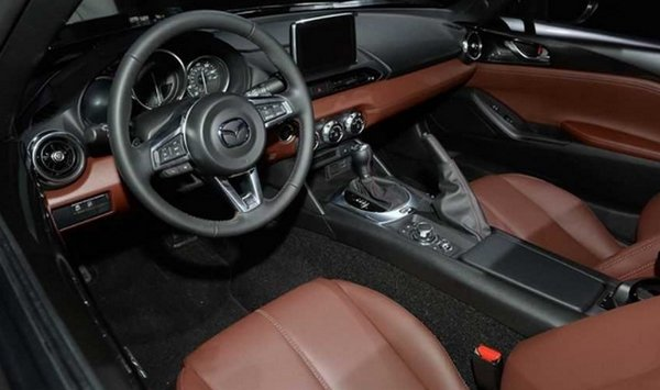 A picture of the Mazda Miata 2019 RF's seats and interior
