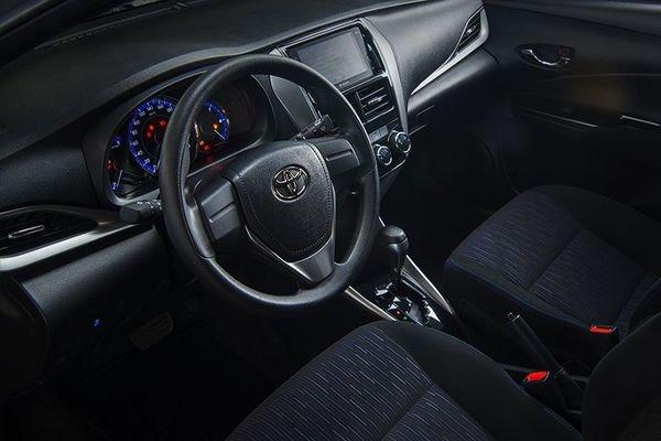 Toyota Yaris 2019 cockpit