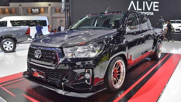 Toyota Hilux Revo Z Black Mamba the look