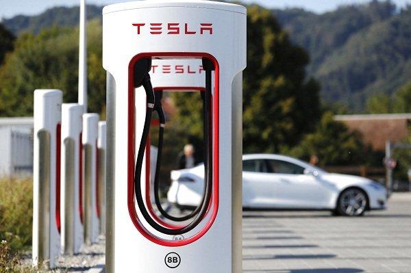 EV Charger Tesla Supercharger
