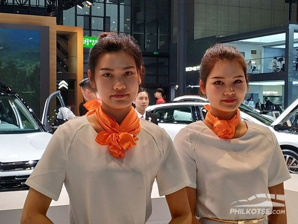 Dongfeng girl at Shanghai Auto Show 2019