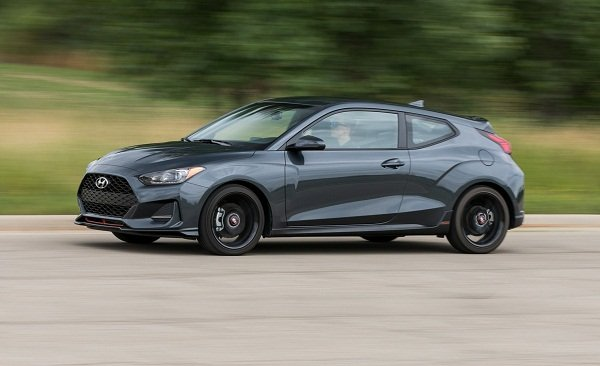 Hyundai Veloster 2019 side view
