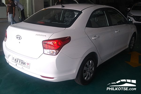 A picture of the rear of the Hyundai Reina