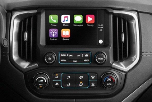 2019 Chevrolet Colorado High Country Storm dashboard