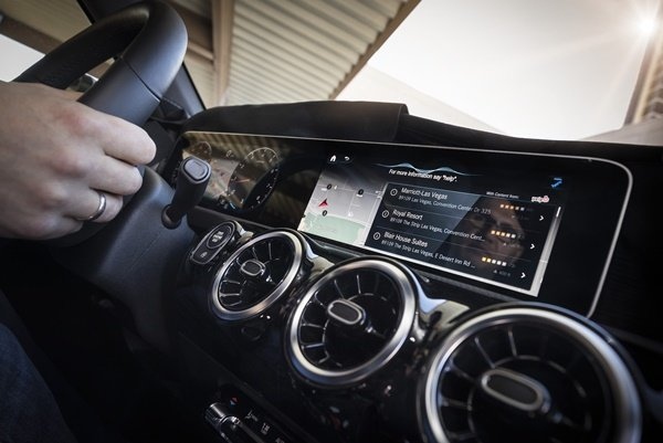 Infotainment system in car