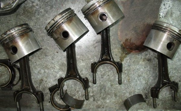 worn piston rings