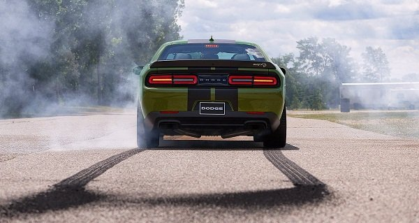 A picture of the Challenger's rear end