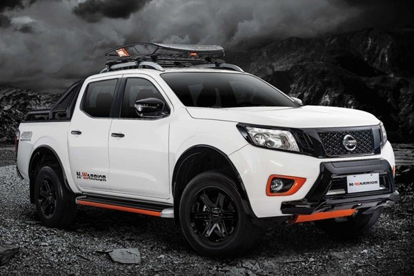 Auto Brawl: Nissan Navara N-Warrior vs. Chevrolet Colorado ...