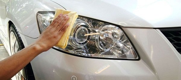 clean the headlights