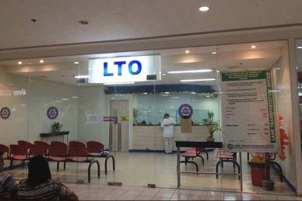 A picture of an LTO renewal center located in a mall