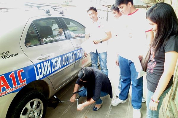 maintenance lesson at A1C driving school in Bulacan