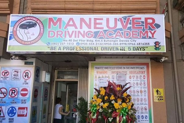 A picture of a branch office of the Maneuver Driving Academy