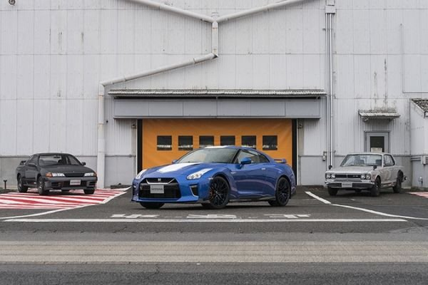 2020 NIssan GT-R Anniversary Edition With R32 and original GT-R