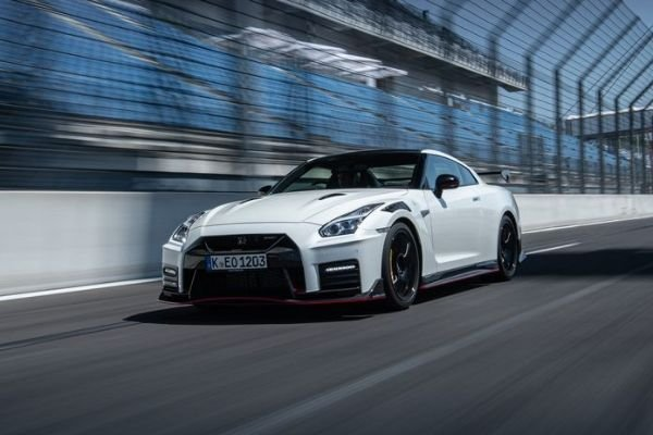 2020 Nissan GT-R Nismo on the Track