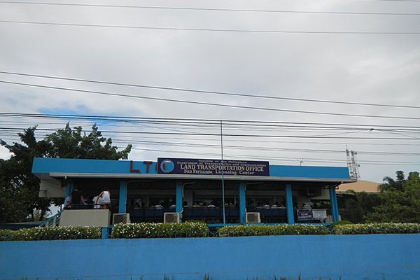 A picture of the LTO office located in San Fernando