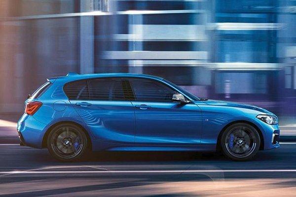 BMW 118i M Sport 2020 rear view