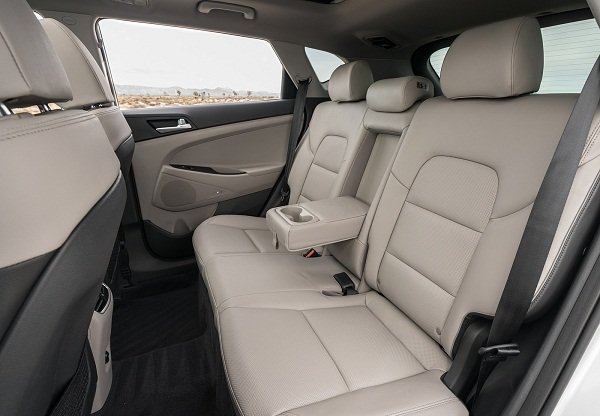 2019 Hyundai Tucson rear passenger cabin