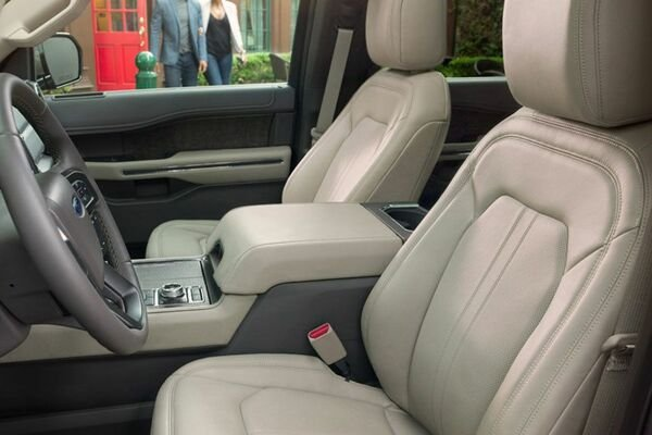 2019 Ford Expedition front seat