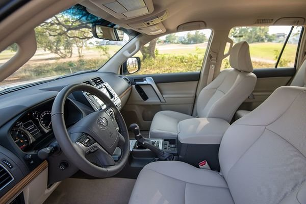 Toyota Land Cruiser Prado interior