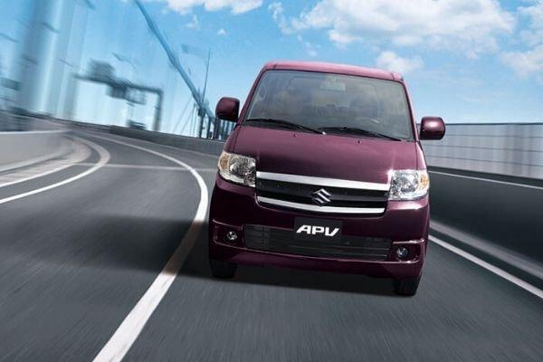 Suzuki APV on the Road