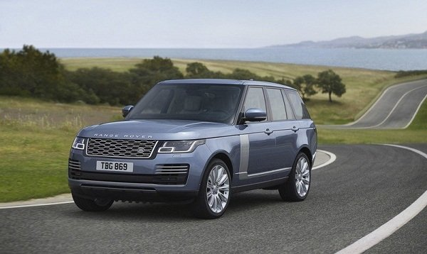 Range Rover 2019 on the Trails