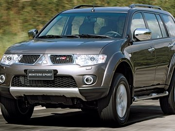 Mitsubishi Montero Sport has considerably more ground clearance than its competitors at 218