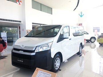 The seating capacity of the Toyota Hiace all across all variants are excellent