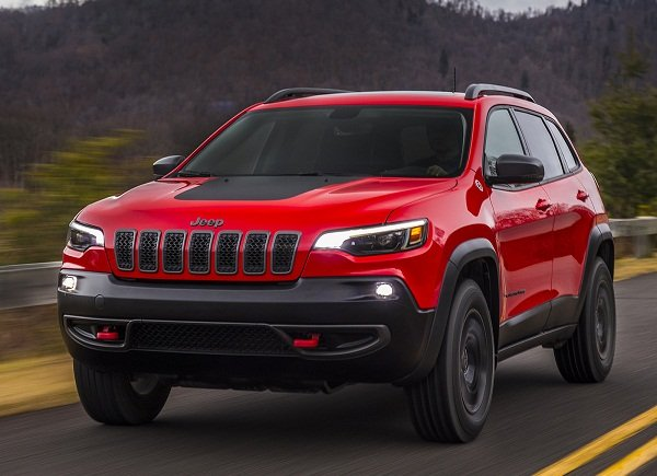 2019 Jeep Cherokee front view