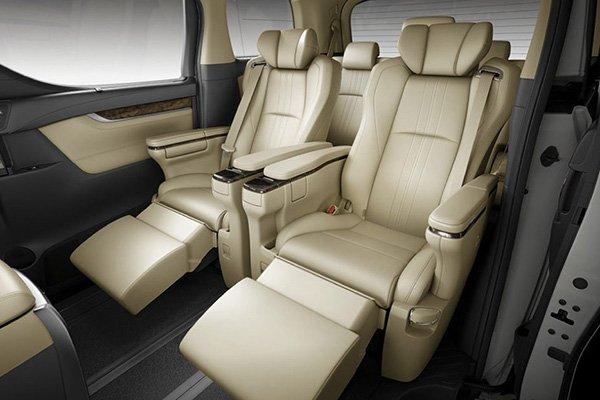 Toyota Alphard 2019 cabin