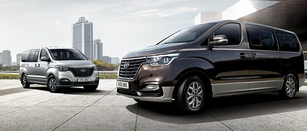 2019 Hyundai Grand Starex on the road