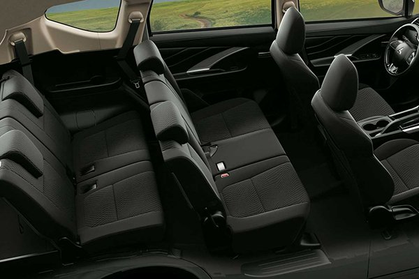 A picture of the 2019 MItsubishi Xpander's passenger cabin