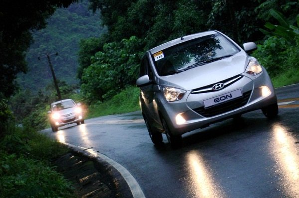 Hyundai Eon driving in the Wet
