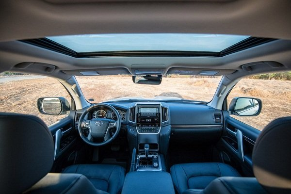 A picture of the 2019 Toyota Land Cruiser interior