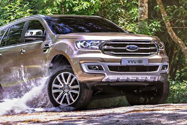 2020 Ford Everest front view