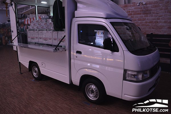 A picture of a 2020 Suzuki Carry food truck